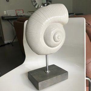 Shell decor statue ceramic stone